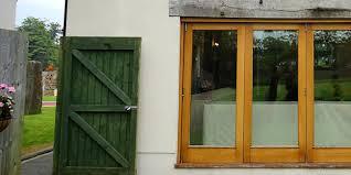 Fenêtre en bois, il n'y a pas mieux que le naturel !